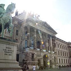 parkhaus schloß arkaden ritterbrunnen 2 38100 braunschweig